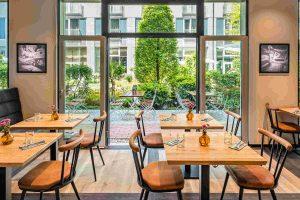 Bayerisches Restaurant Irmi in München mit Biergarten